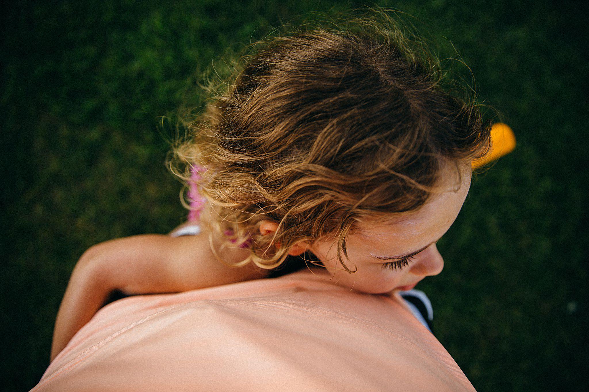 backyard-summer-playtime-with-cousins_0036.jpg