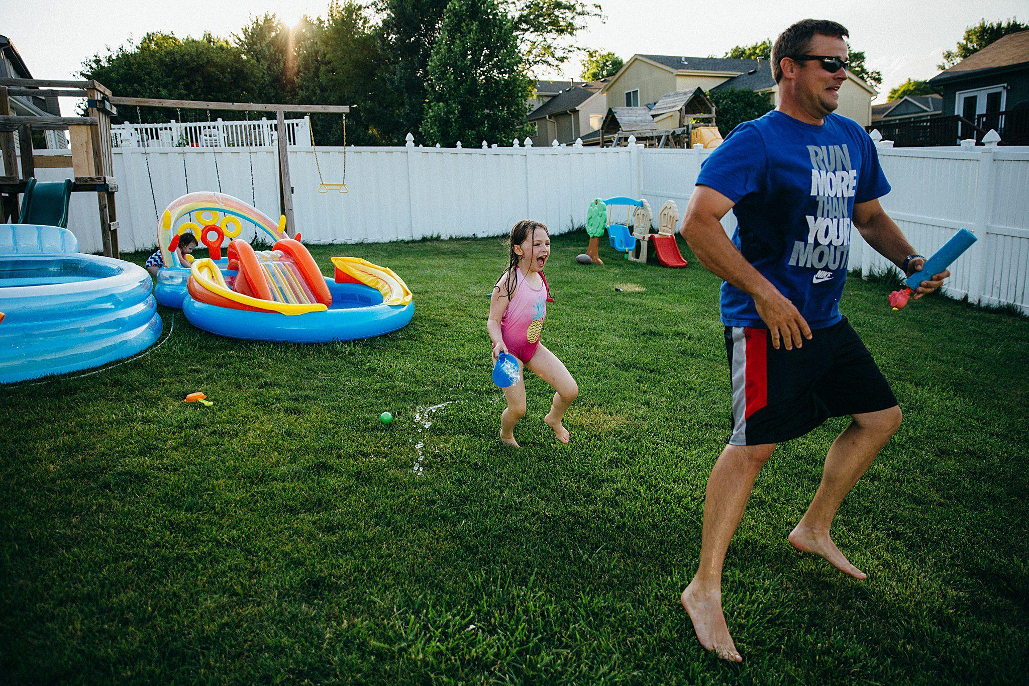backyard-summer-playtime-with-cousins_0037.jpg