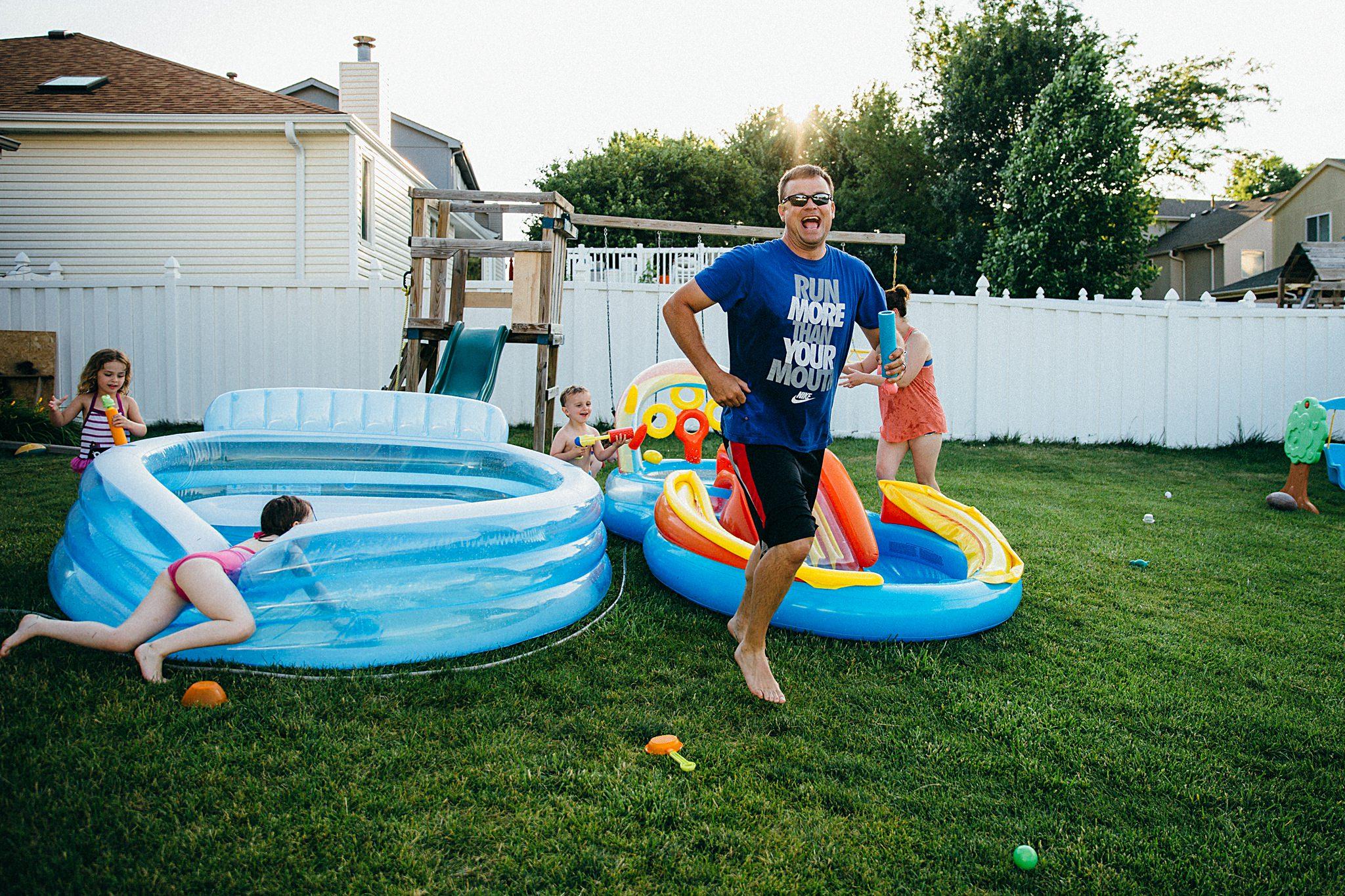 backyard-summer-playtime-with-cousins_0039.jpg