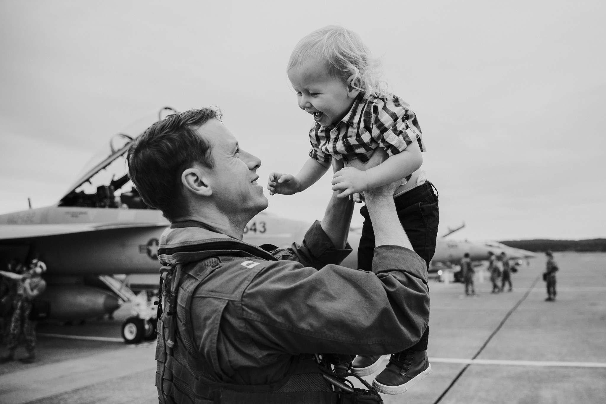 Military Family Homecoming | Whidbey Island Family Photographer
