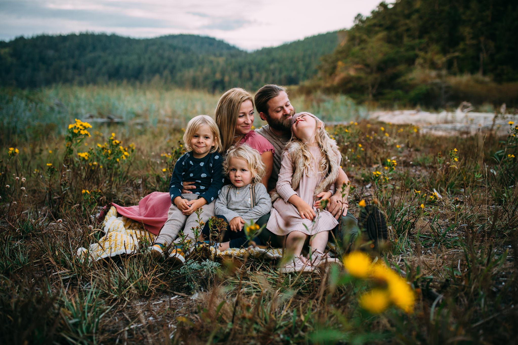 Family Pictures at Bowman Bay | Kara Chappell Photography | Oak Harbor Photographer