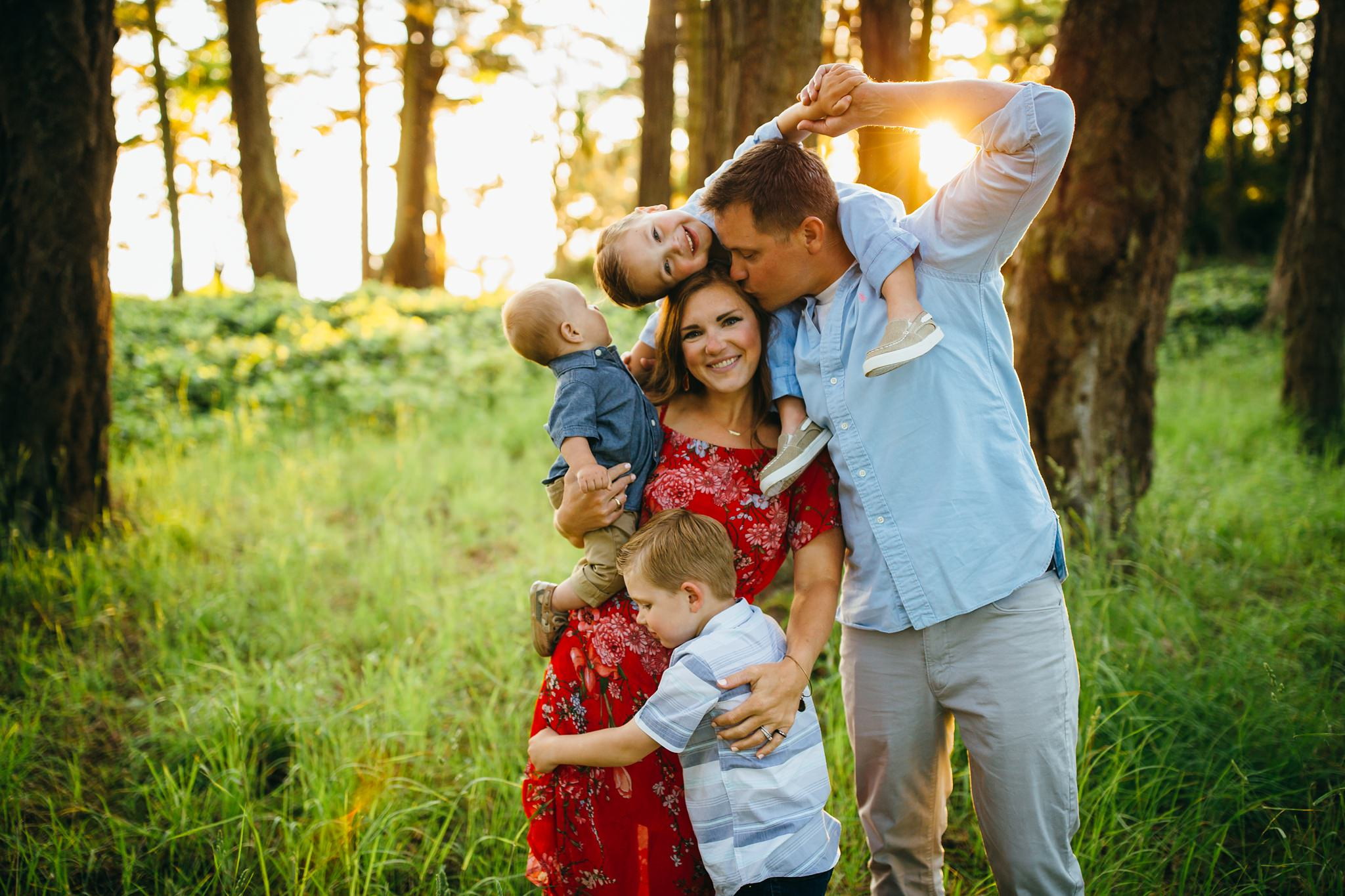 Family plays at Deception Pass State Park | Whidbey Island Family Photographer