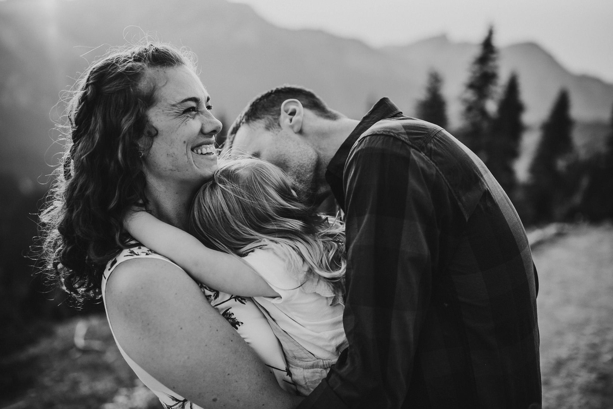 parents love on daughter at hurricane ridge