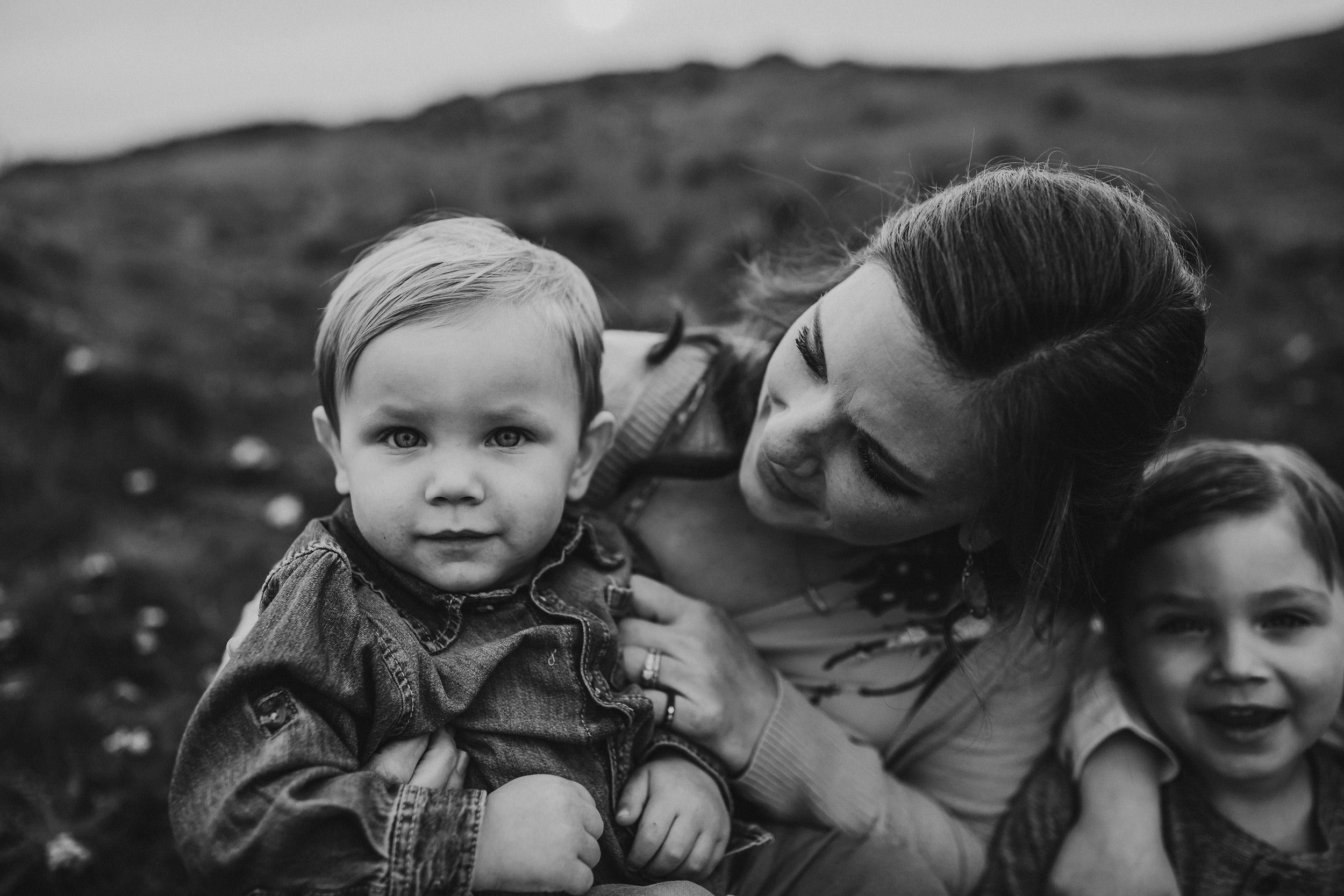 Rosario Bay motherhood session | Kara Chappell Photography