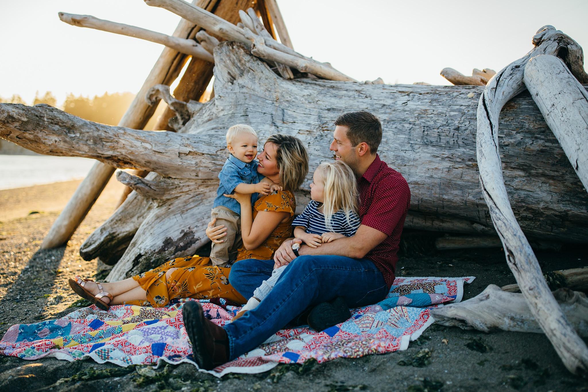 Monroe Landing family photographer