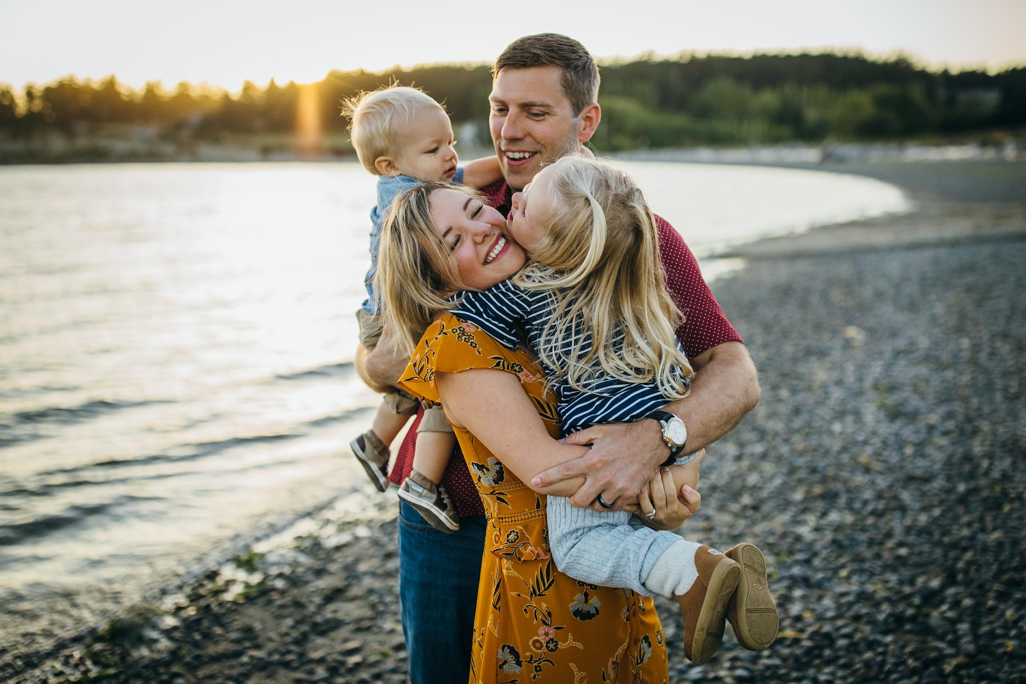 best Monroe Landing family photographers