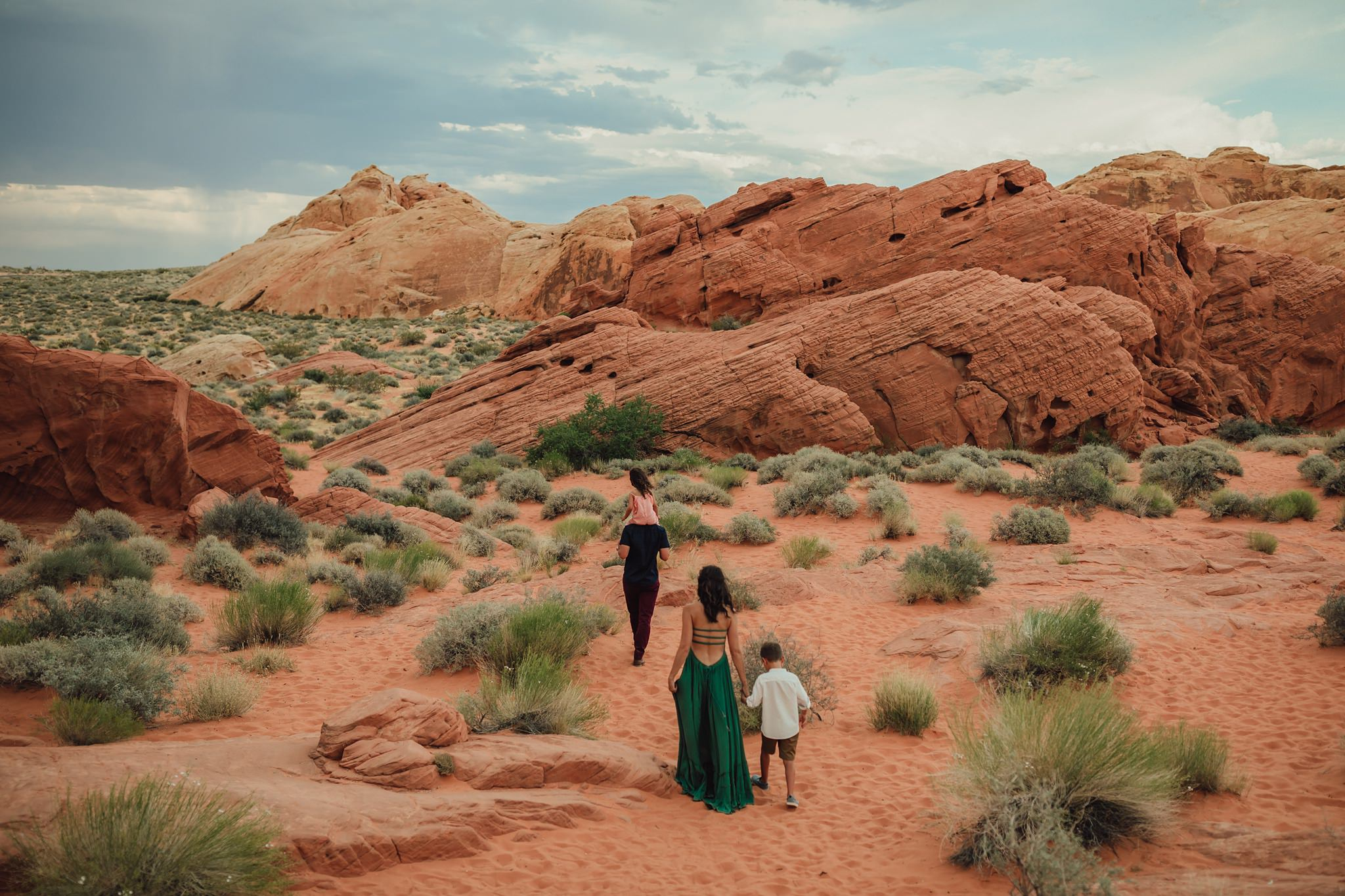 lifestyle photographer at valley of fire