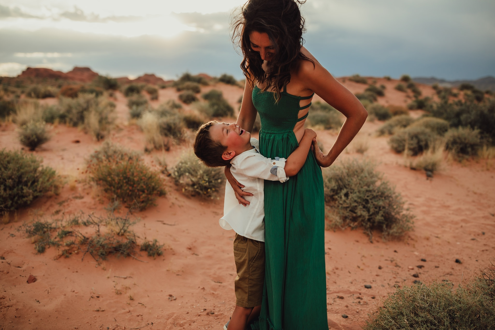 photographer family photos at valley of fire