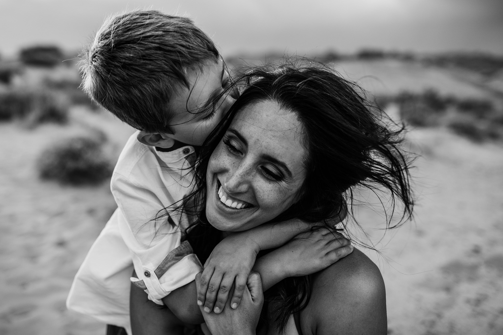 family photo session at Valley of Fire State Park with Kara Chappell Photography
