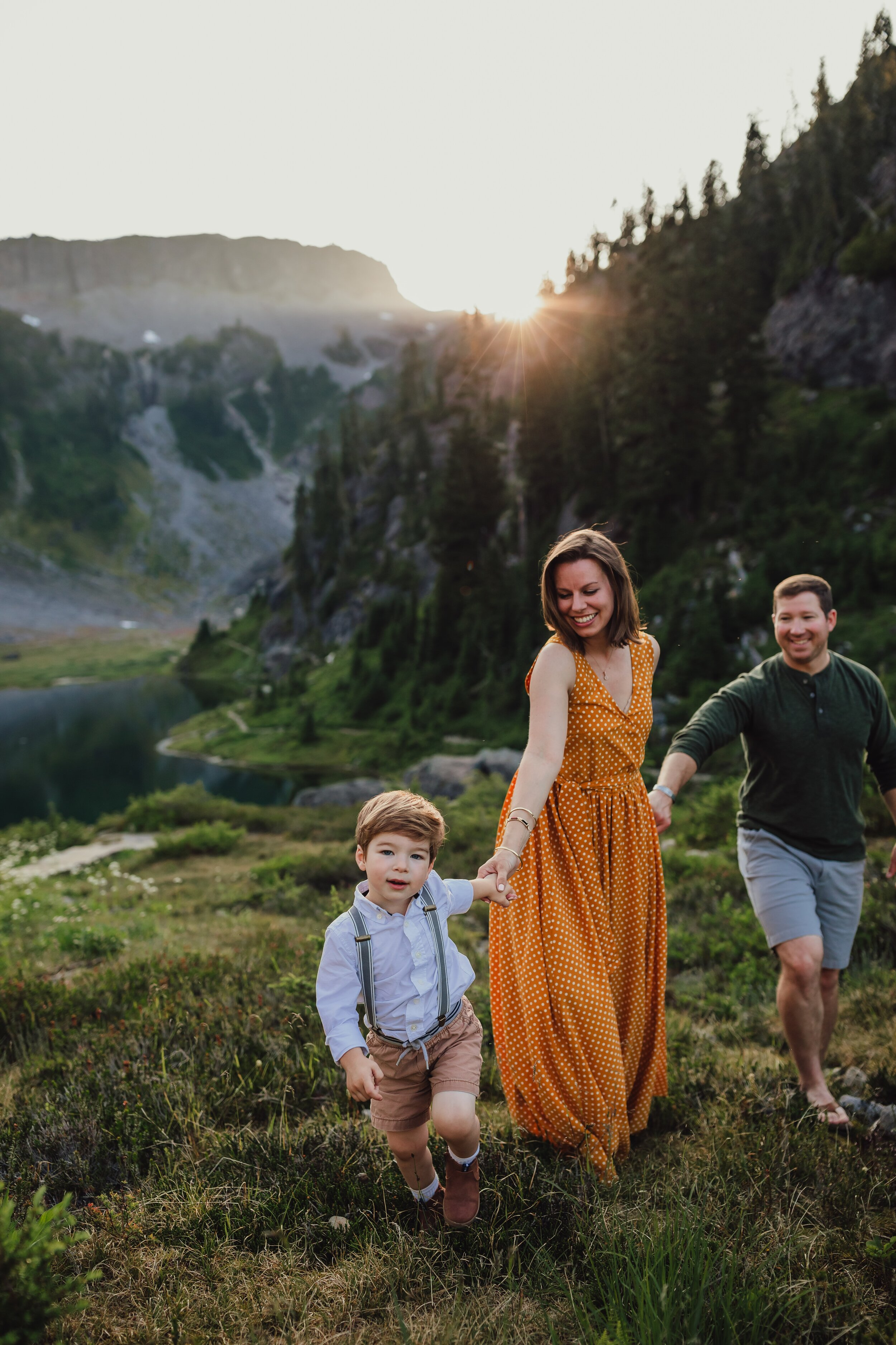 lifestyle photographer at mt. baker