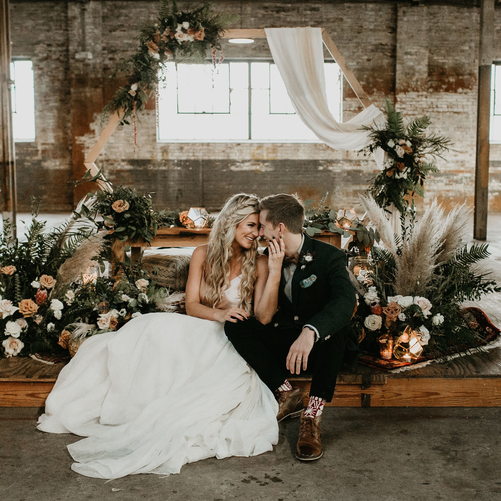 ALI + WES WEDDING AT THE GLASS FACTORY