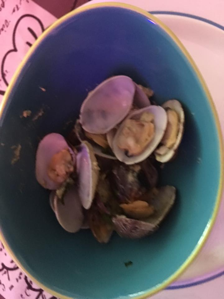 Thanks for sharing barbara van der perre!  Small bowl  of vongole