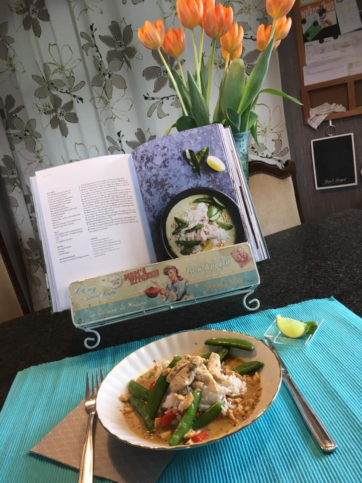 homemade green  curry bowl  by Bibi satory! this looks delicious!
