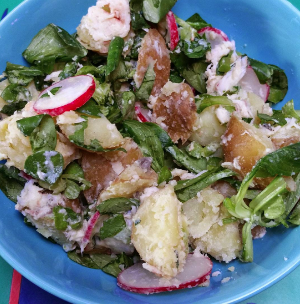 A healthy  SALAD BOWL  by @nancyardeel