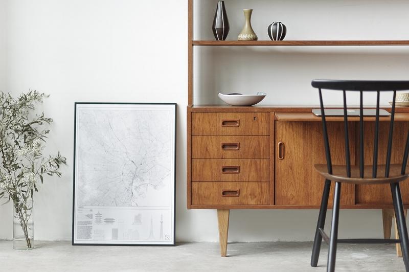 Vintage Swedish open bookshelf with pull out desk in teak & oak.