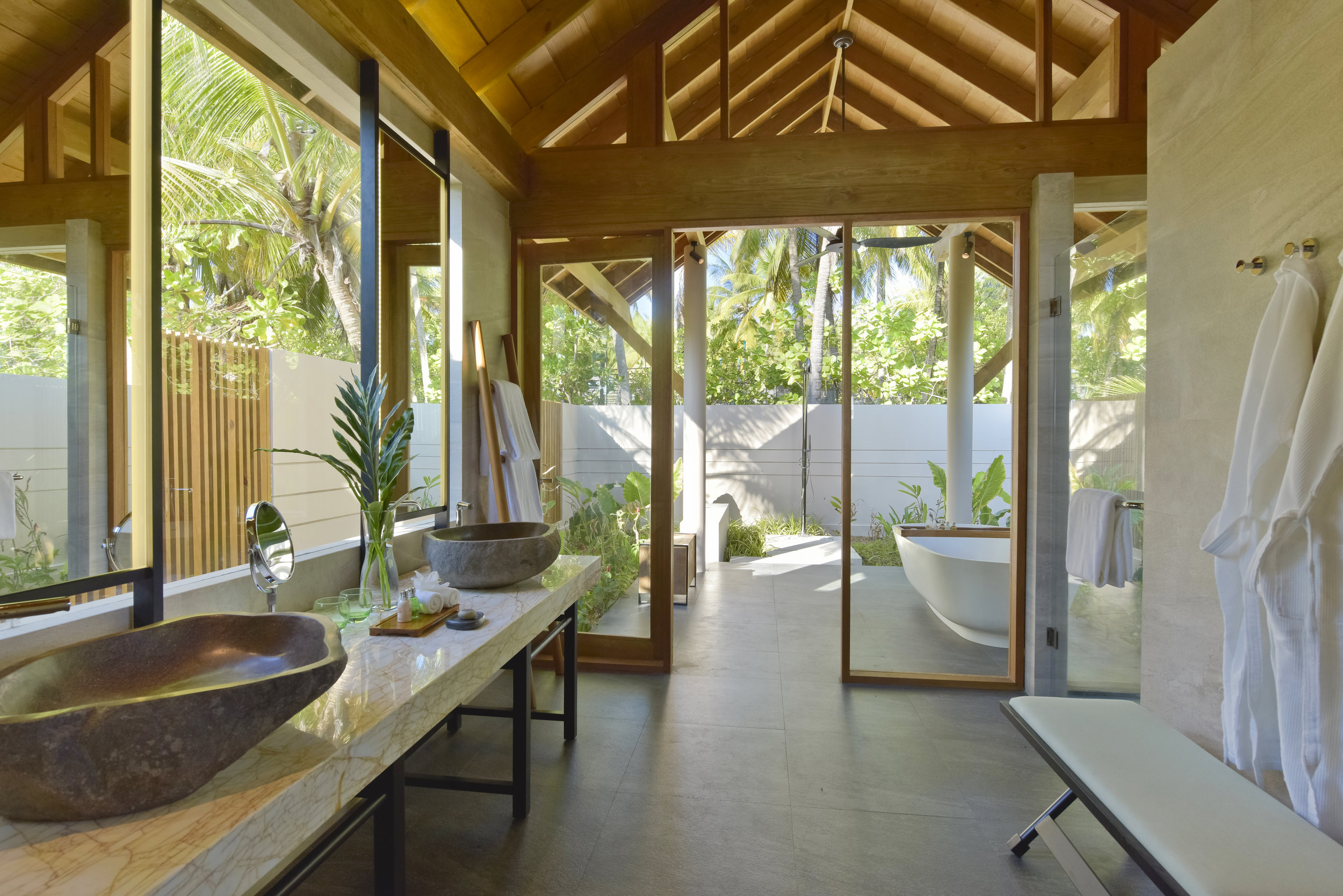 Beach Retreat w Pool bath.jpg