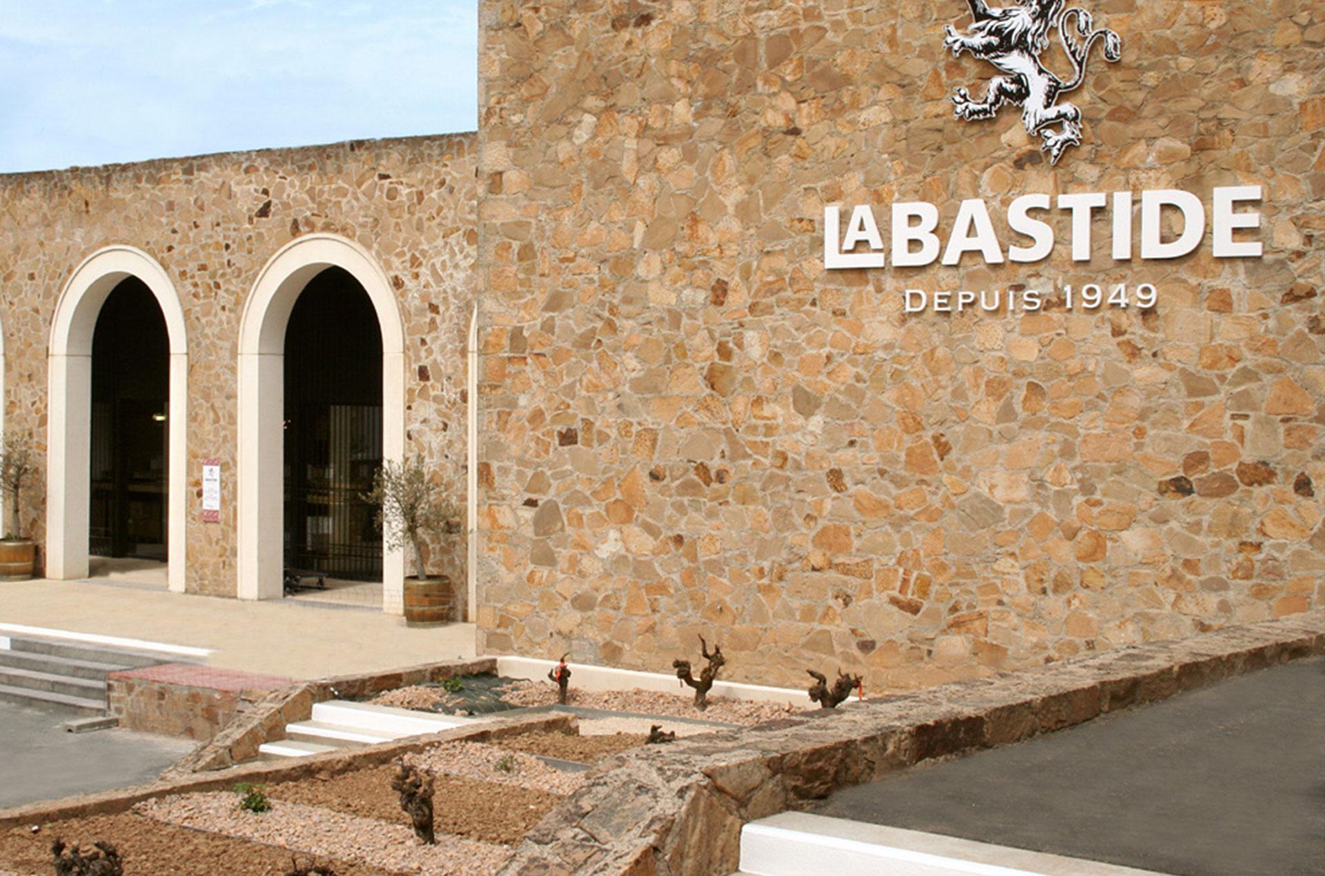 Vers le site de la Cave Coopérative de La Bastide