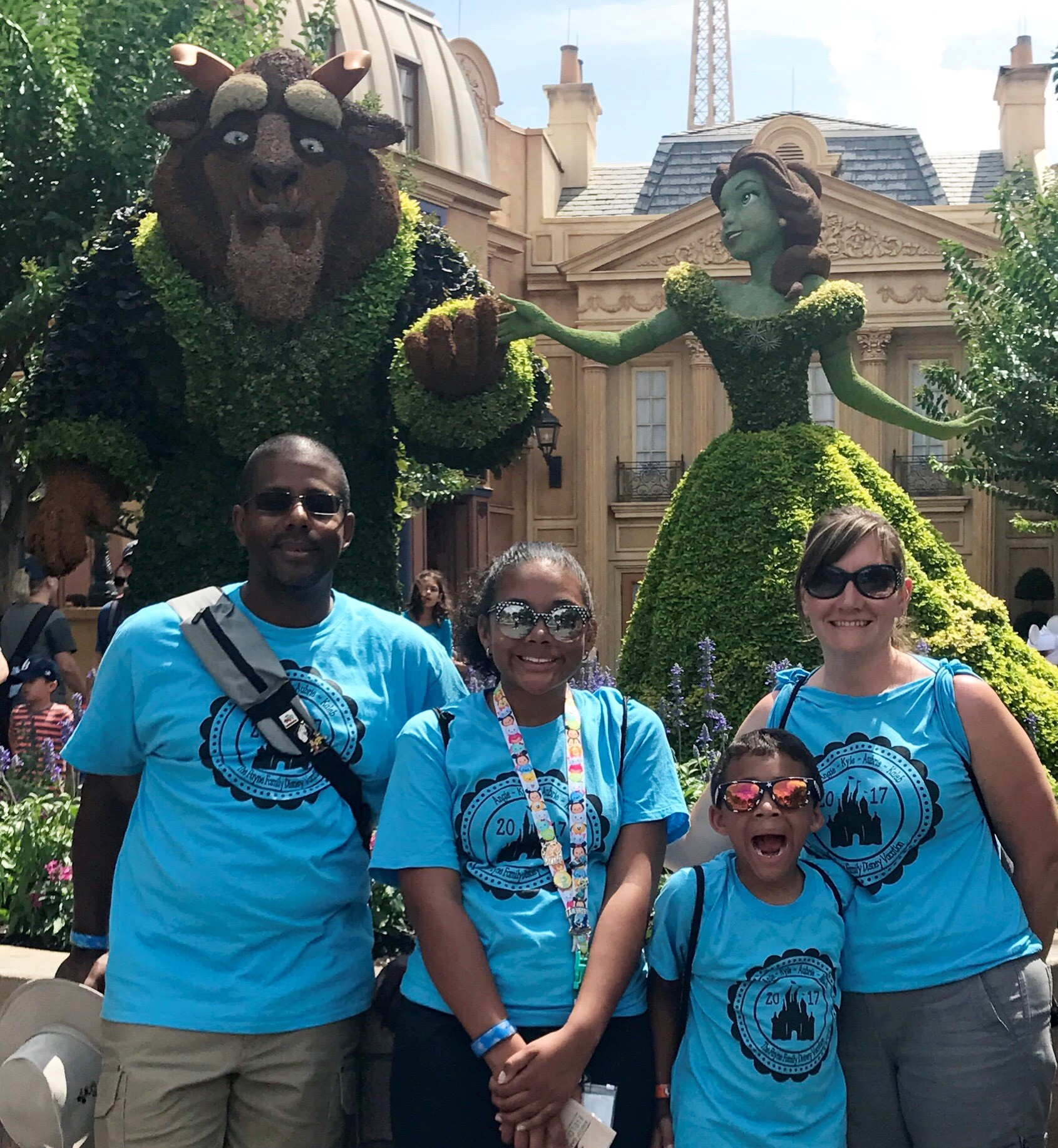 disney 2017 family picture.jpg