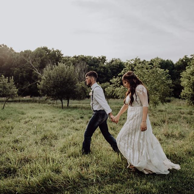 😍😍😍 we're in LOVE with these photos from the oh-so-talented @samadkinsphotography