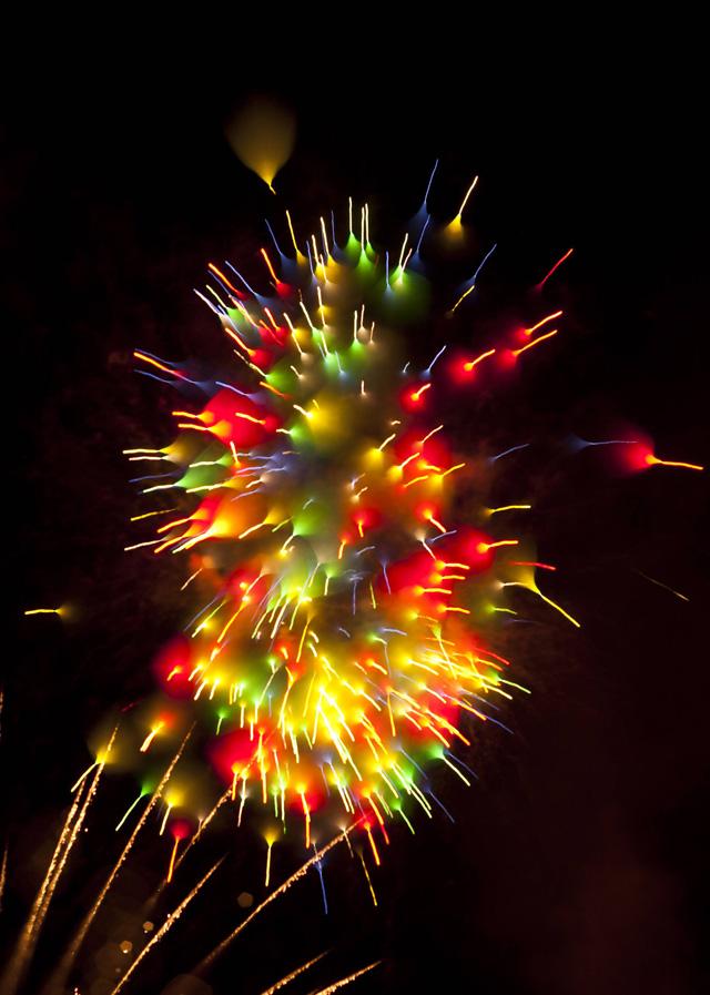 Long-Exposure-Firework7.jpg