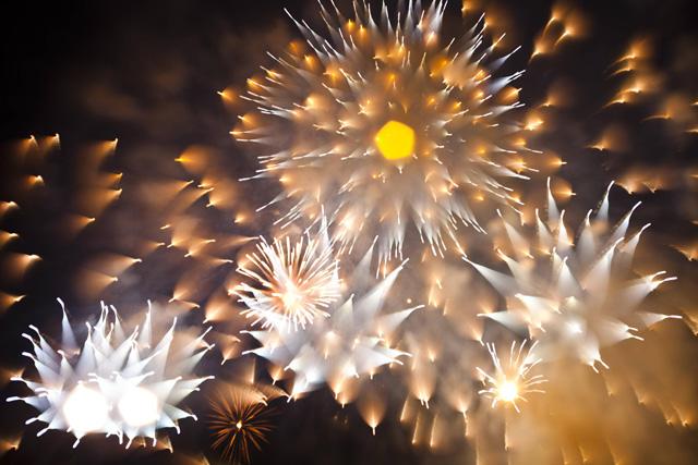 Long-Exposure-Firework4.jpg