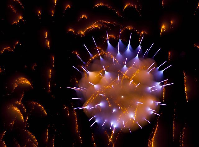 Long-Exposure-Firework8.jpg