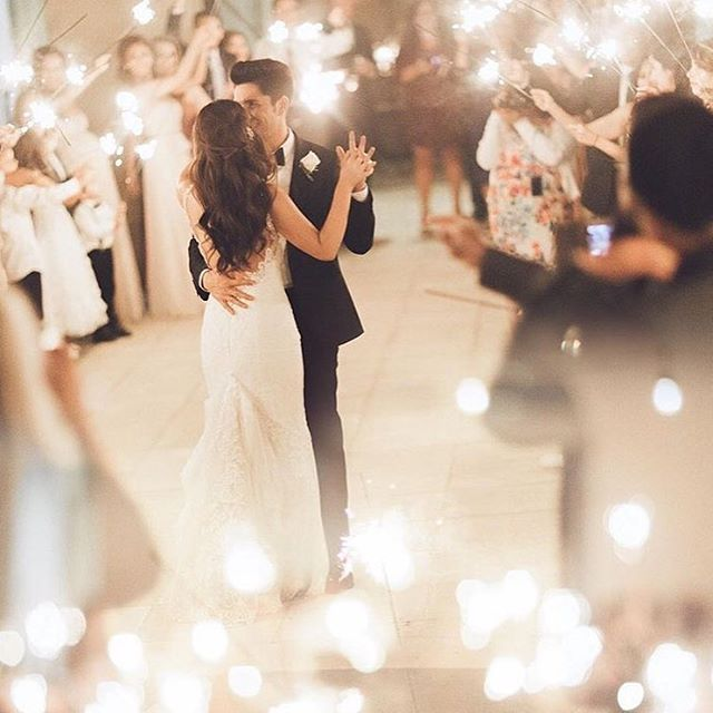 There is something so incredibly beautiful about the first dance. It's the first time a couple is able to slow down and realize the gravity and magic of the day, & it gets us every time! • • • • • 📷: @kelseaholderphoto #wedding #weddingplanning #weddingideas #weddinginspo #weddinginspiration #weddingphotography #howyouglow #abmlifeisbeautiful #abmhappylife #flashesofdelight #livecolorfully #partytime #celebrate #instalove  #thehappynow #pursuepretty #firstdance