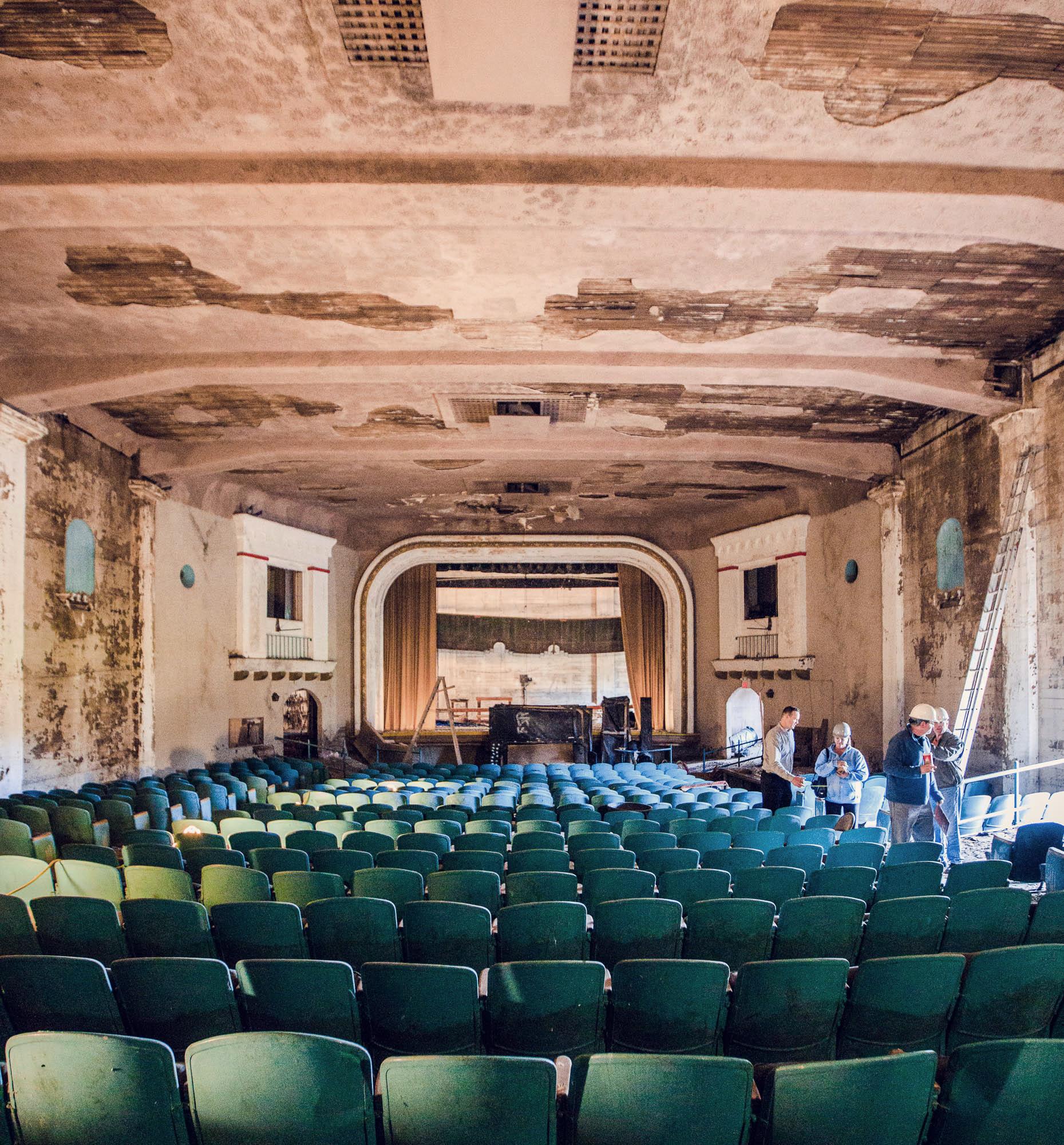 Lompoc_Theatre