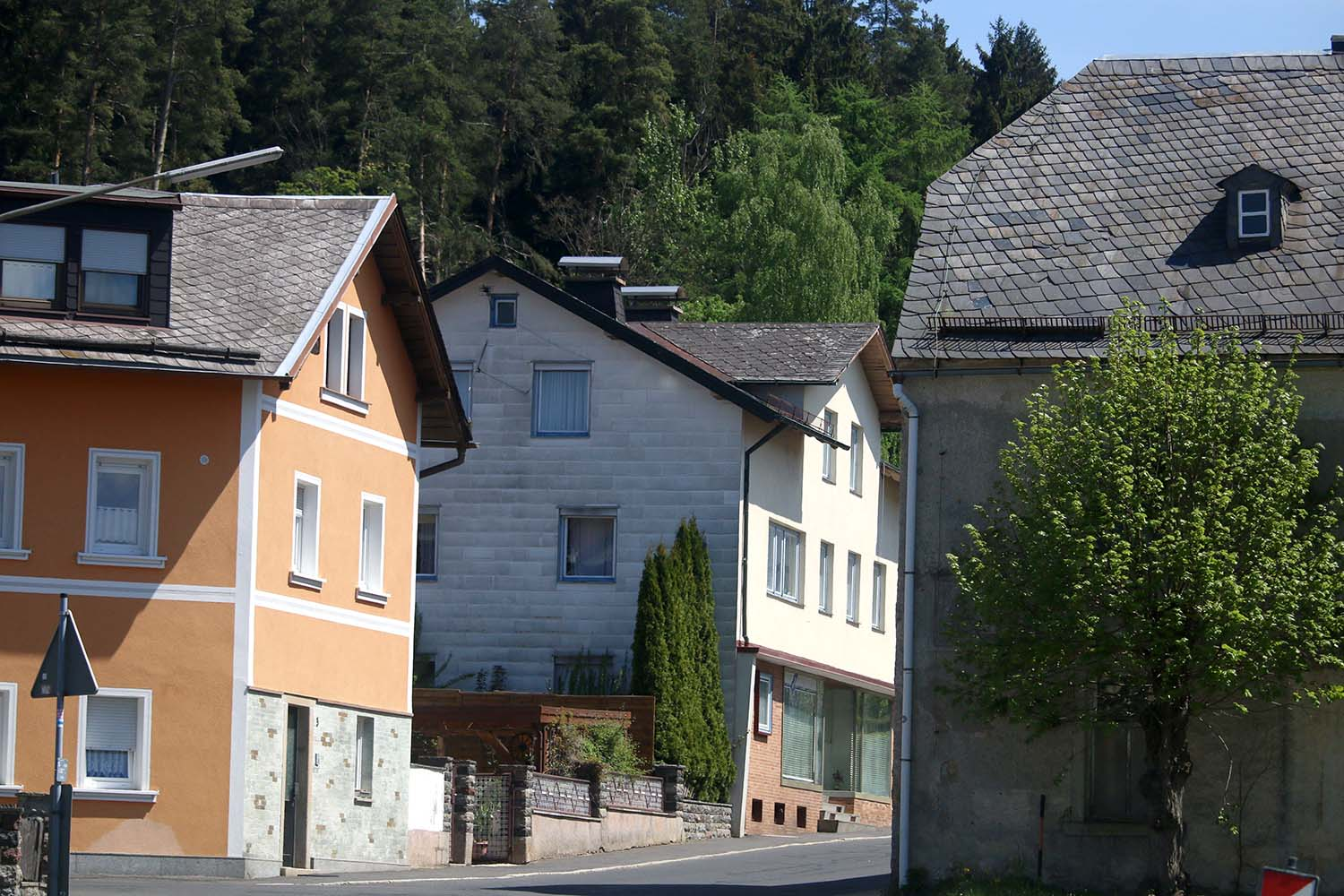 The white house where my Opa lives in a little Village called Niederlamitz, Germany.