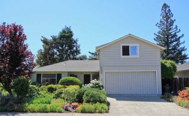 1636 Yale Dr, Mountain View | $1,427,500