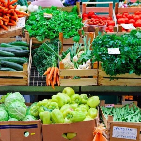 farmers_market_shutterstock-1488921289-6298-1490989092-2224.jpg