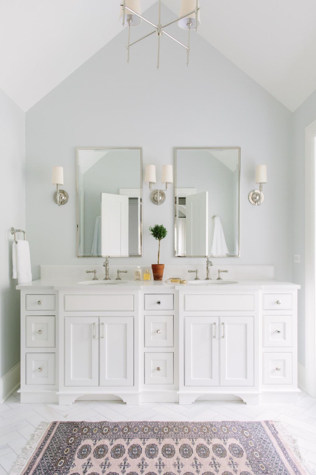 10 Ways To Make A Small Bathroom Look Bigger Hadar Guibara
