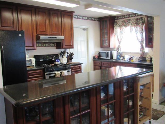 leastexpensive_kitchen.jpeg