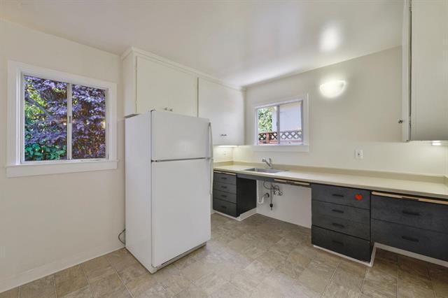 Low kitchen .jpeg