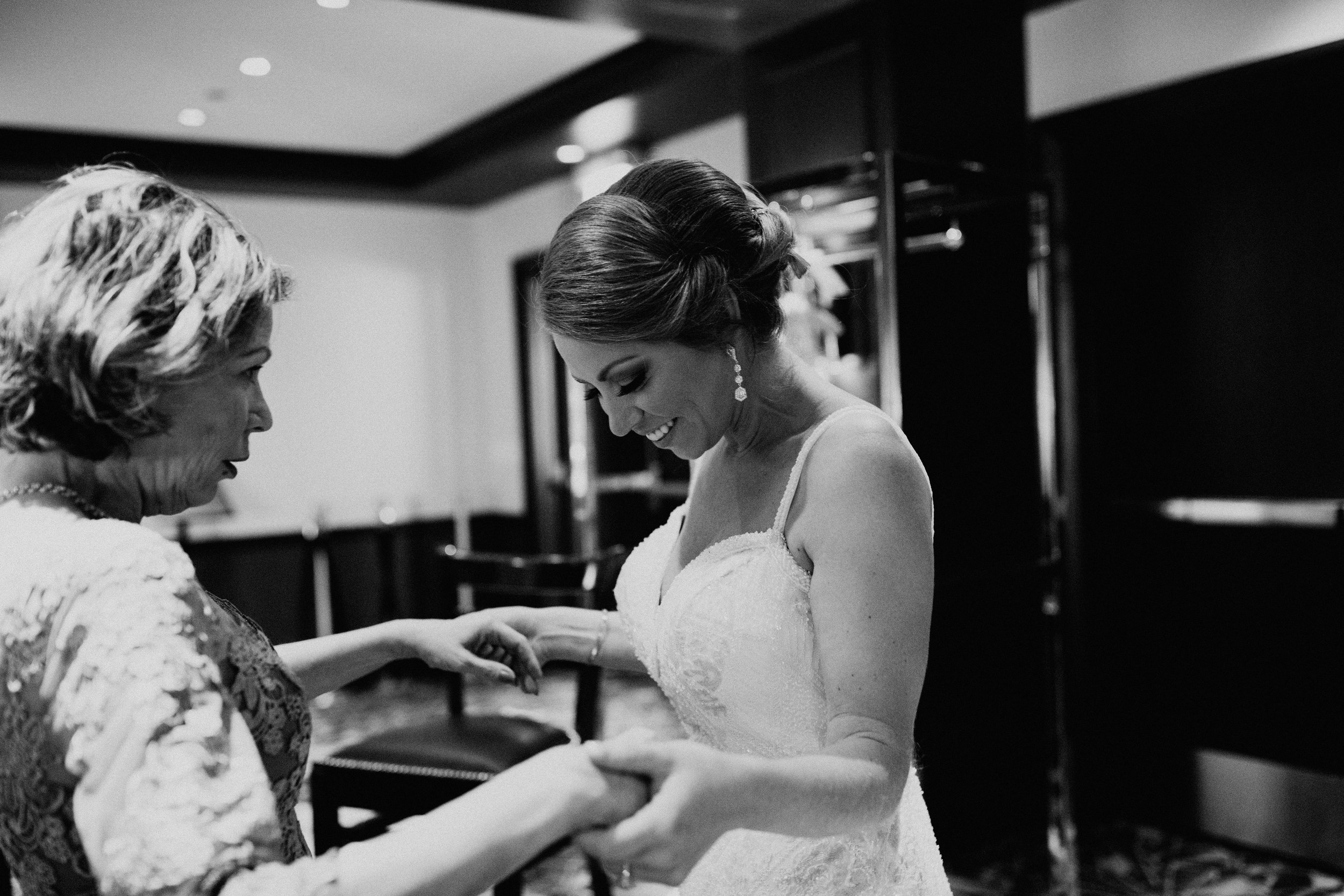 CHICAGO-ILLINOIS-WEDDING-PHOTOGRAPHER-MOONLIGHT-STUDIOS-AMANDA-F-179.jpg
