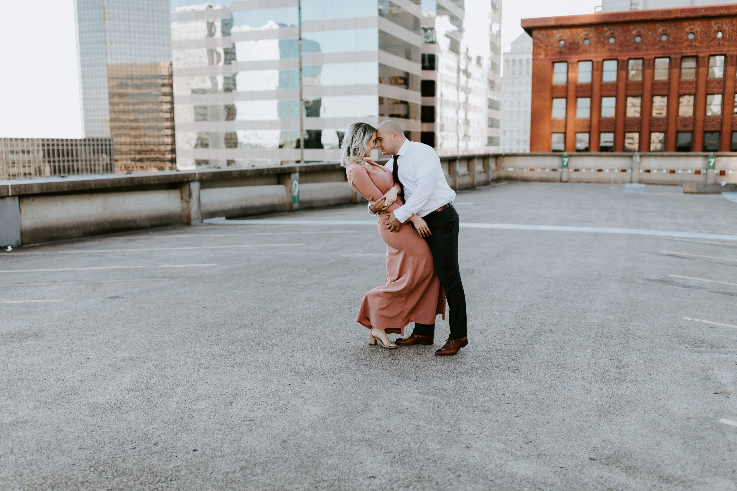 ST-LOUIS-MISSOURI-ENGAGEMENT-COUPLE-PHOTOGRAPHER-ERIKA-BEAMAN-123.jpg