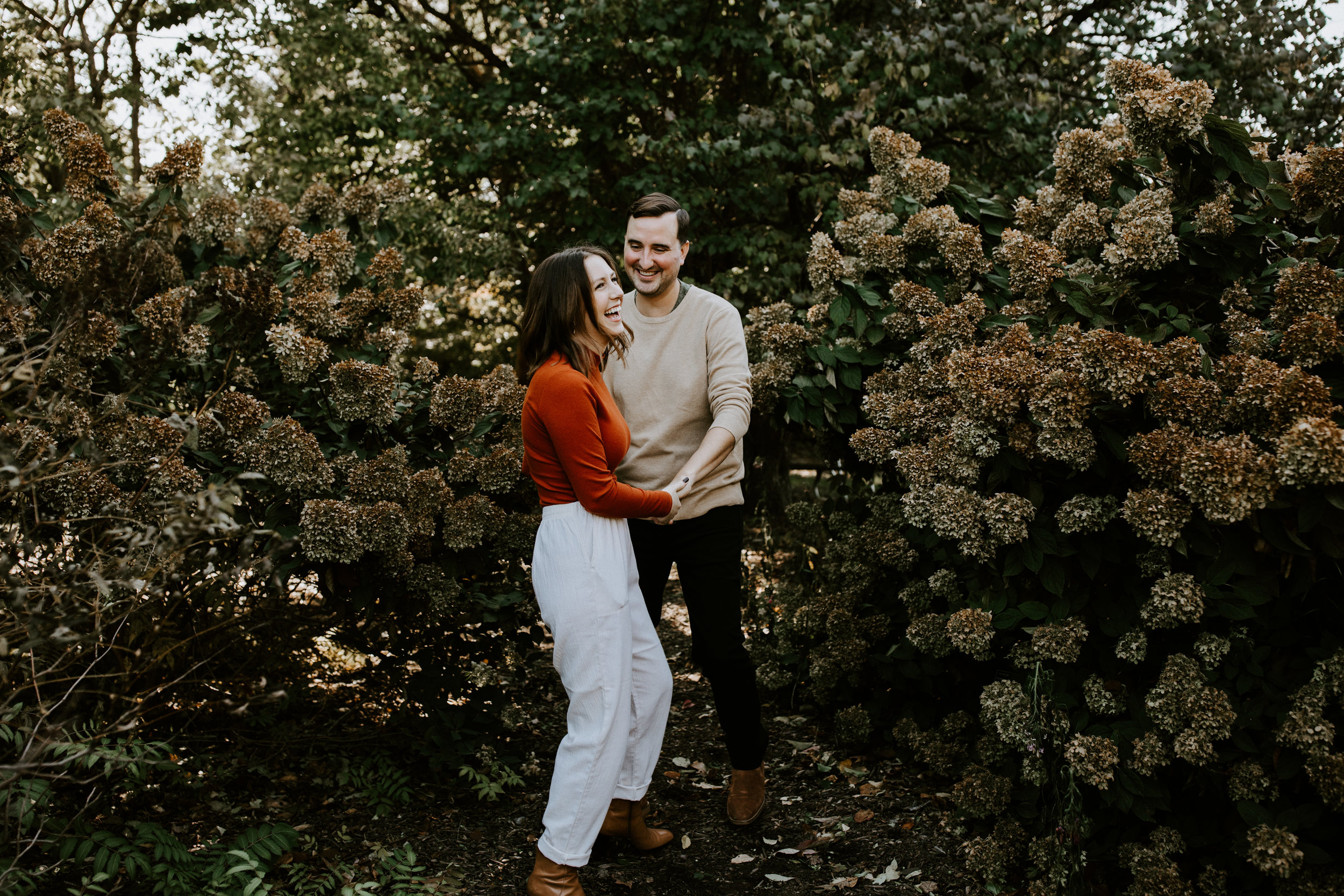ST LOUIS ENGAGEMENT COUPLE PHOTOGRAPHER - PEORIA ILLINOIS - IN HOME - BOTANTICAL GARDENS - LIZ G-218.jpg
