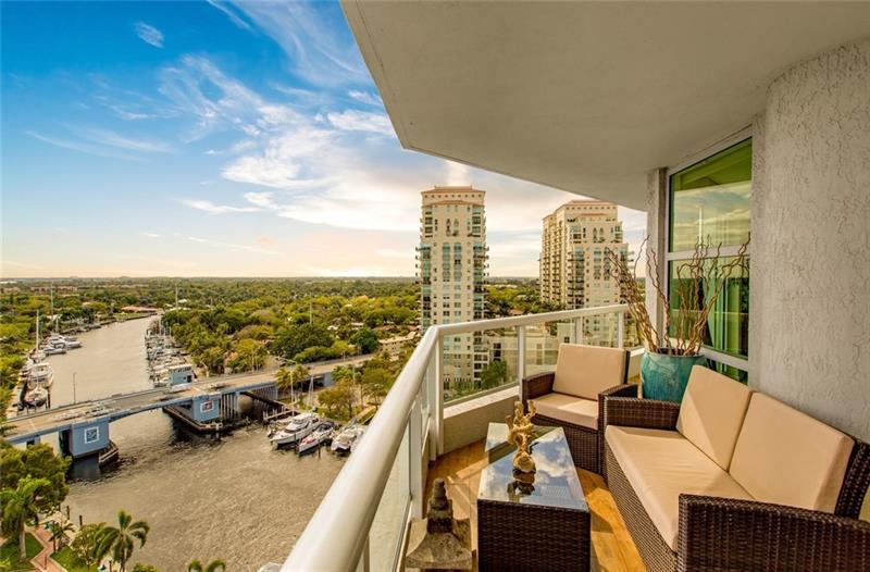 SOLD $345,000 - Esplanade on the New River #1602