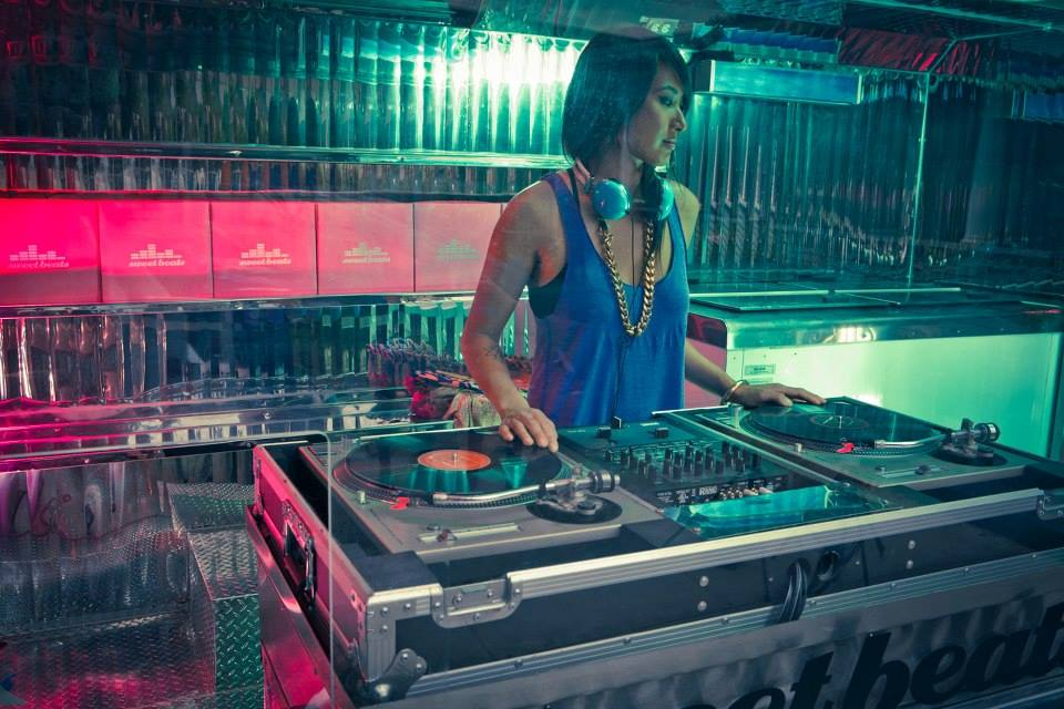 Dj services Los Angeles Female DJ