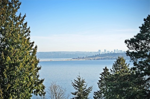 Seattle, WA  $2,450,000 - Represented Seller