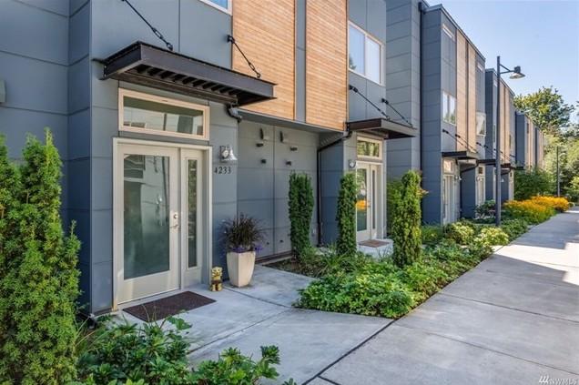 Issaquah, WA $549,000 - Represented Buyer