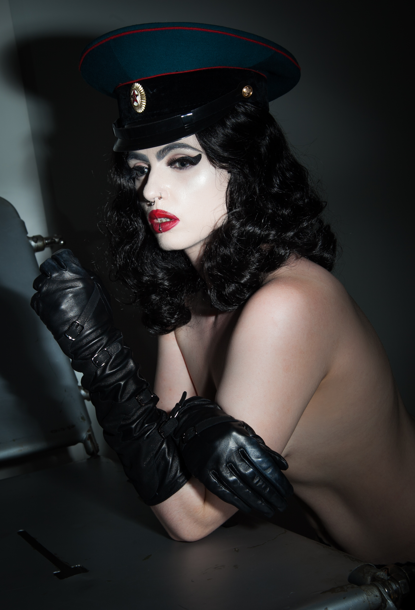 London Mistress Empress Poison