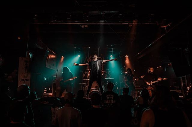 AZ bands have been killing it recently! A few of our favorites are @outsiders_usa @hazenofficial and @whatisalistair amongst so many other badass bands. Who's killing it in your scene right now?? 📸@aaronberkshireofficial