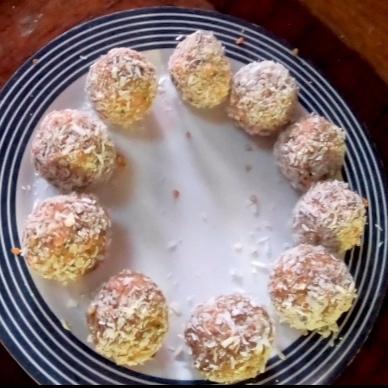Carrot+cake+Balls