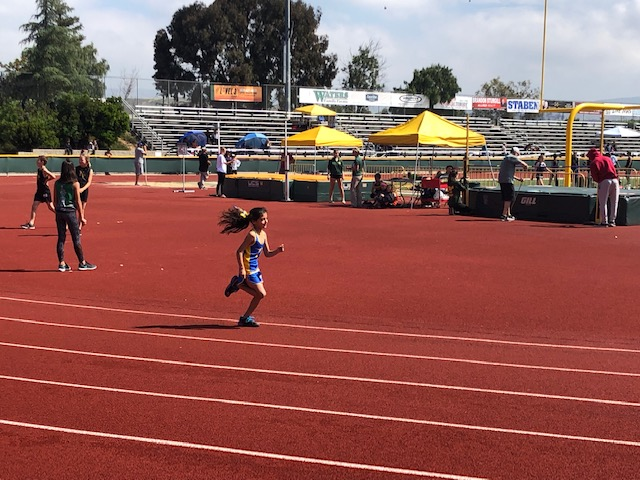 Gremlin Rania Busz in the 1600 m!
