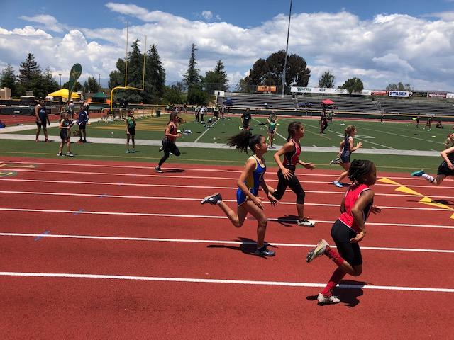 Bantam Loereyna Nahsia Darcus in the 200 m!
