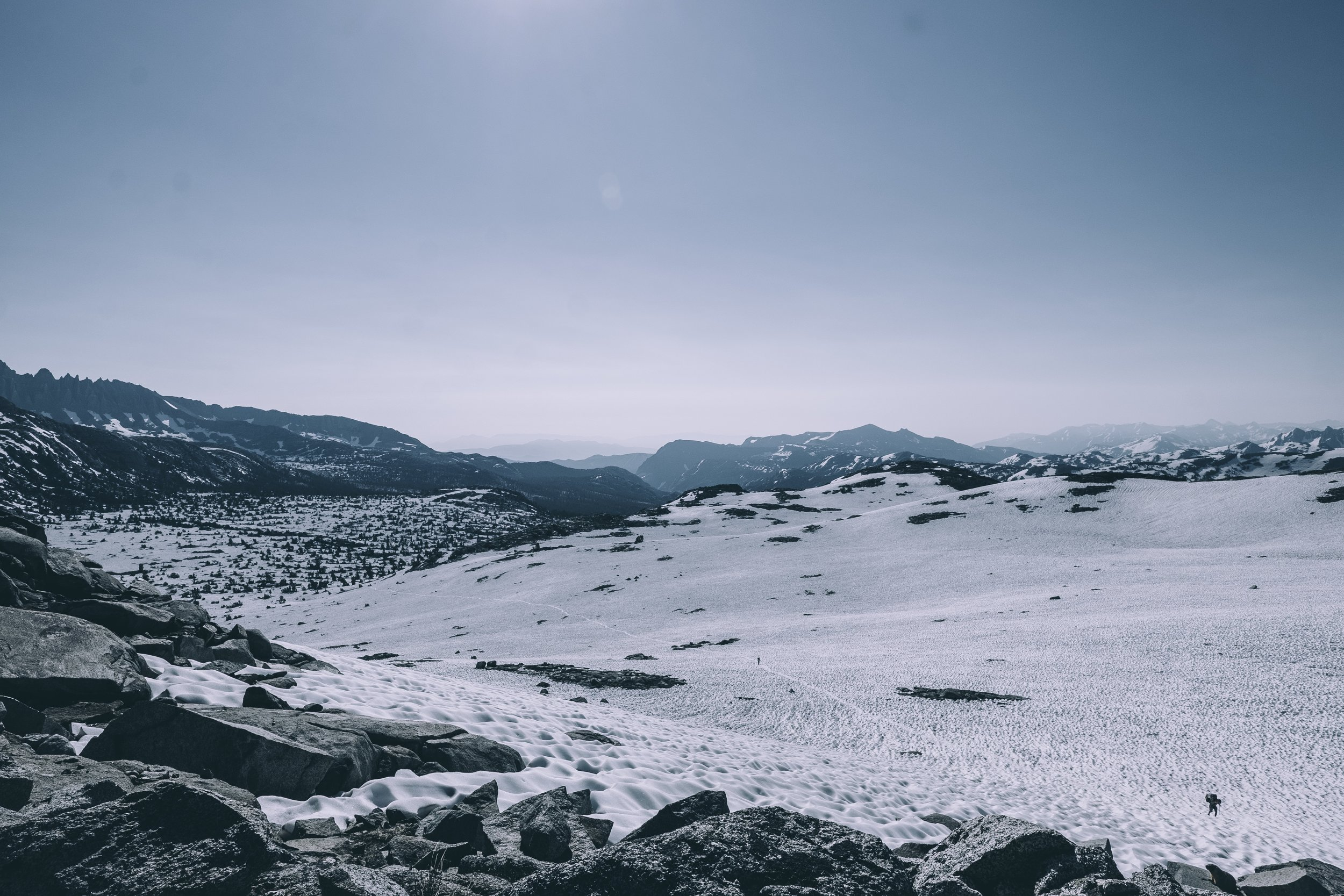 The view of the southern slope on Donahue Pass