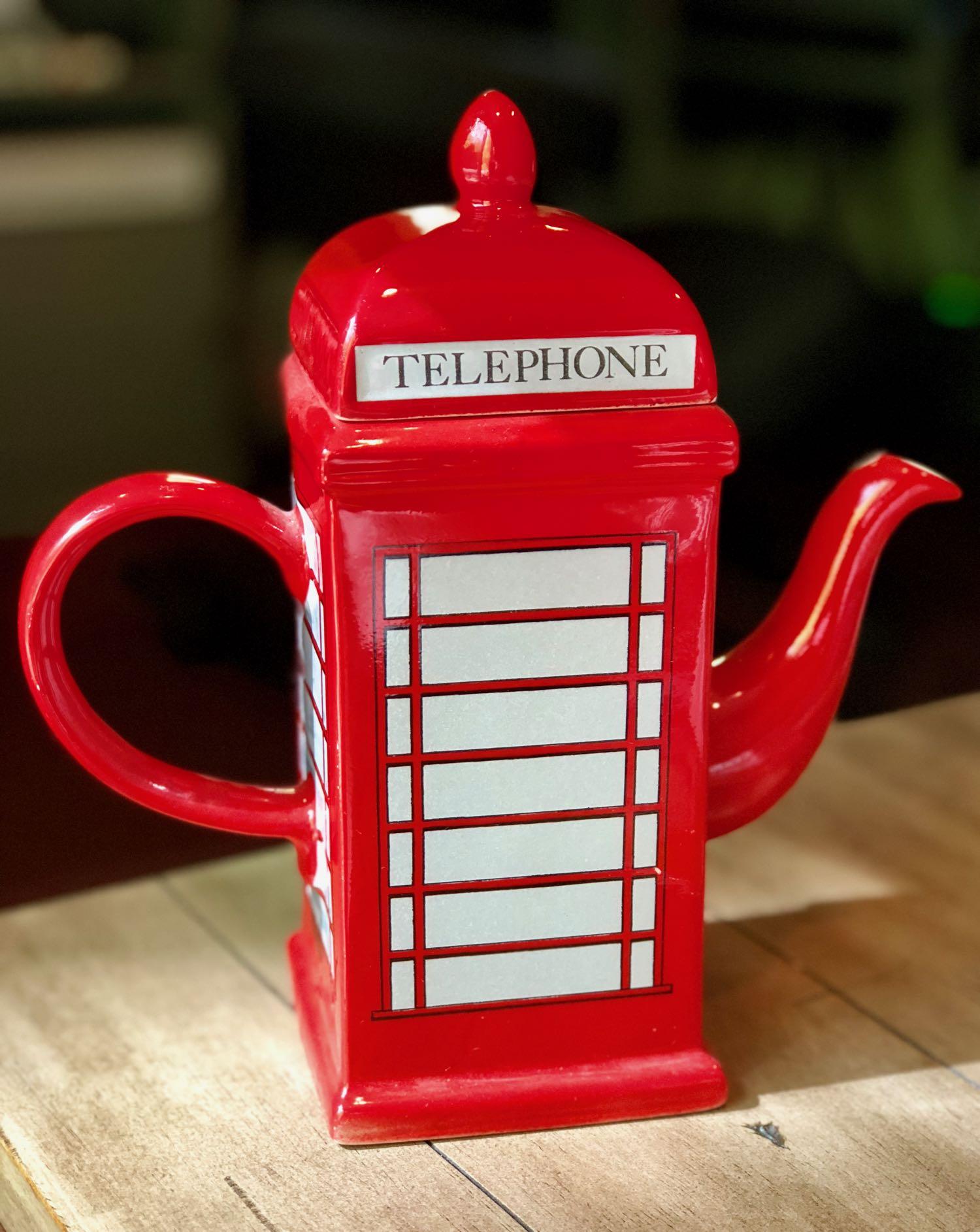 red-telephone-box-teapot