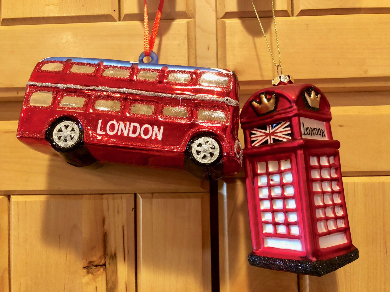 red-telephone-box-london-bus-christmas-ornaments