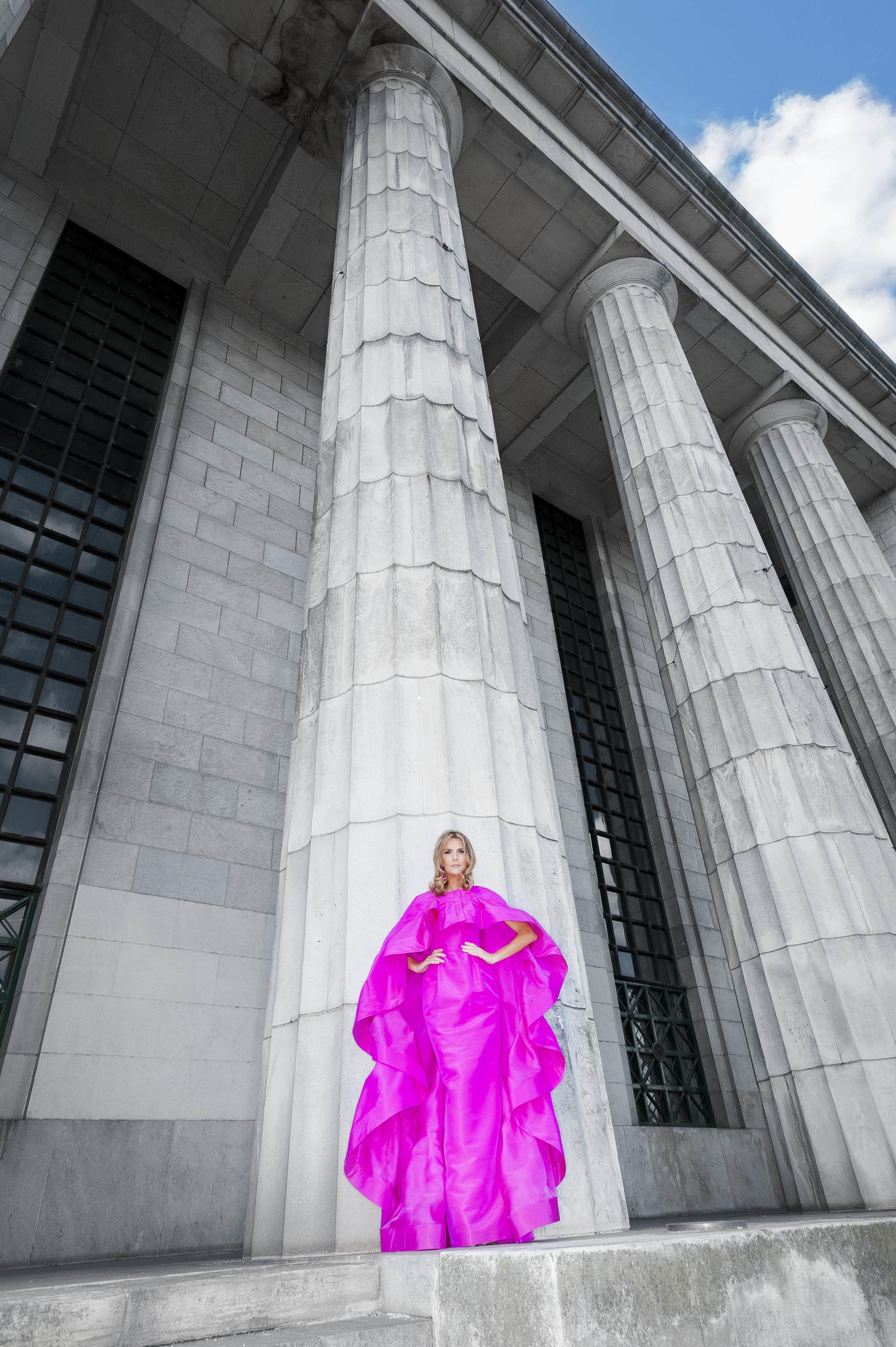 Tributo a Buenos Aires -  Oscar de la Renta  Fuchsia Cape Silk Dress